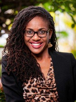 Portrait picture of Jury member Farida